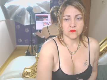 [16-10-19] evelynfox1 webcam video from Chaturbate.com